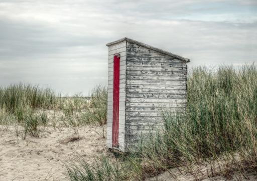 beach-house-2608515_1920